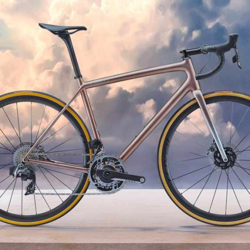 The lightest production disc brake bike ever… just don't tell the UCI